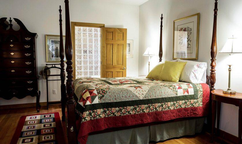 bedroom quilt